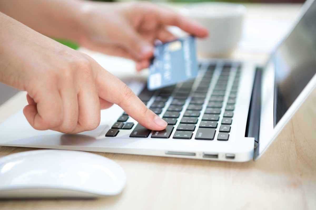 5 formas de ganar dinero en Facebook